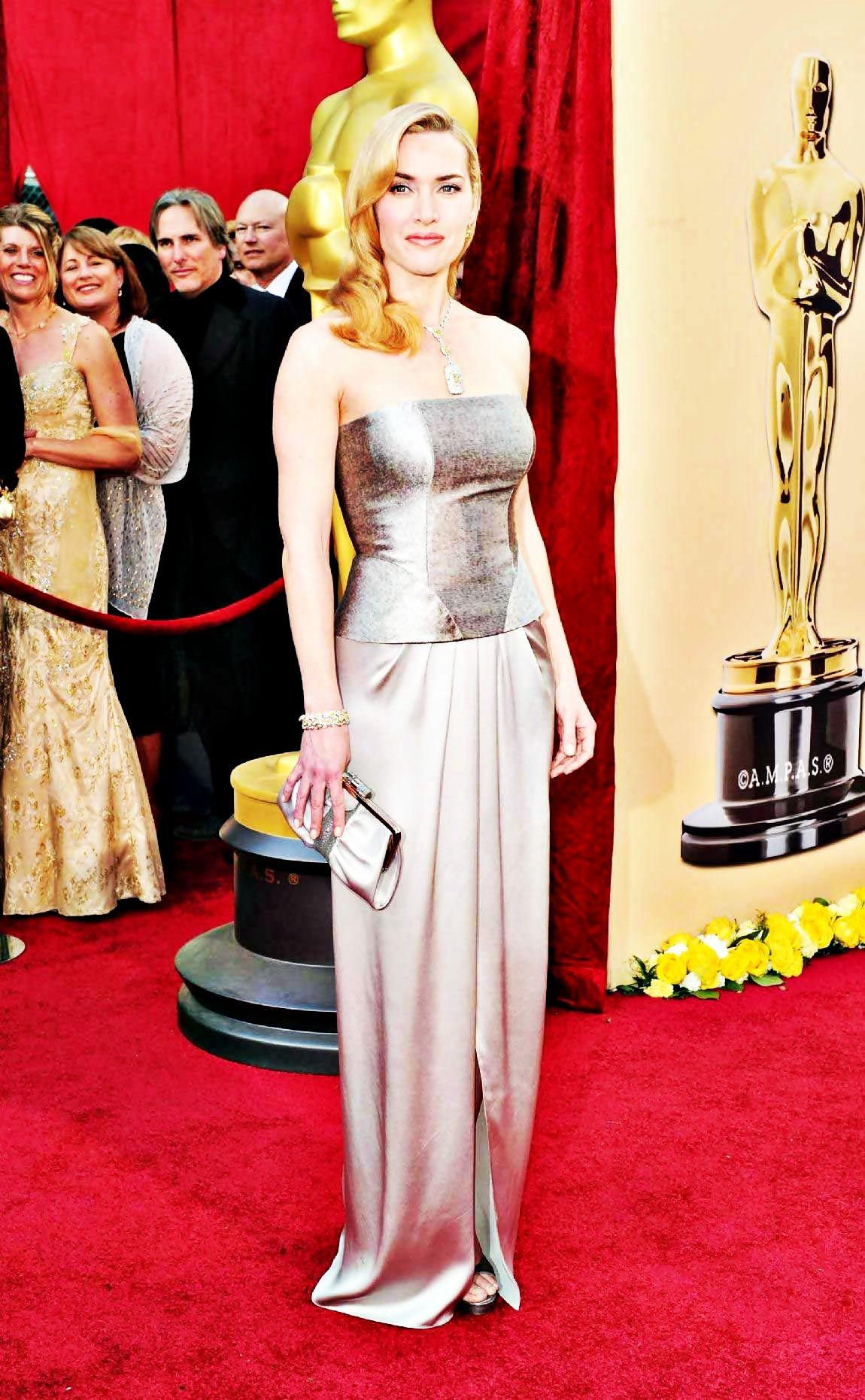 Pin by Rebecca Johnston on Grey | Oscar dresses, 2010 ...