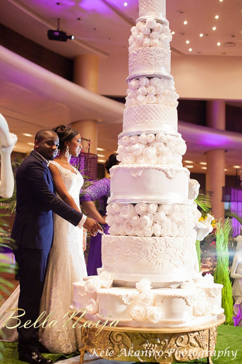 Massive 6 Tier Cake That Cake Is Ridiculous I Would Never Eat Cake Again After That Lol Its Pretty Th Huge Wedding Cakes Big Wedding Cakes Tall Wedding Cakes