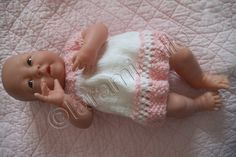 tuto gratuit bébé Bérenguer: robe ajourée à empiècement rond et faux raglan