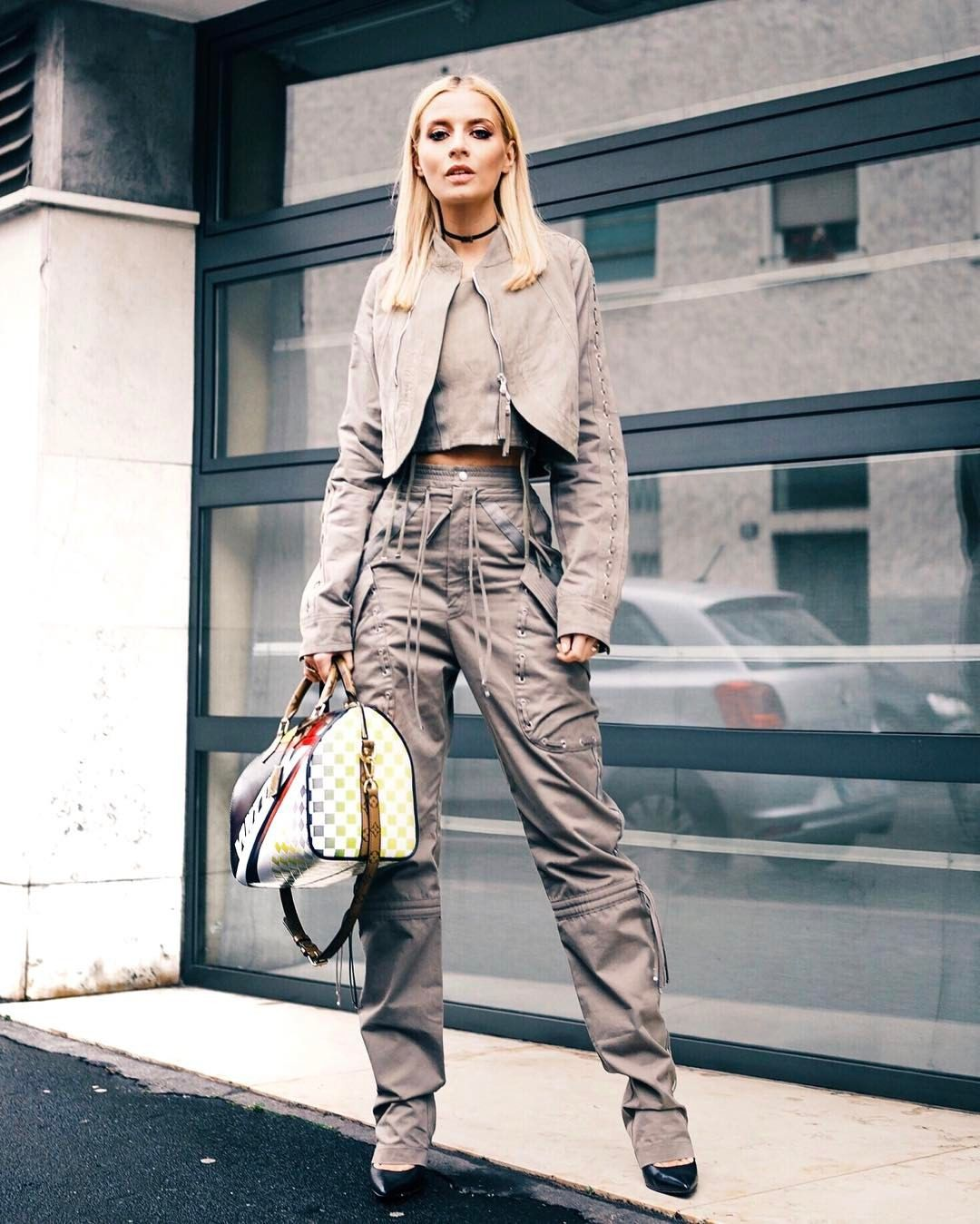 Pin by Gisella on Street Style | Street style, Fashion
