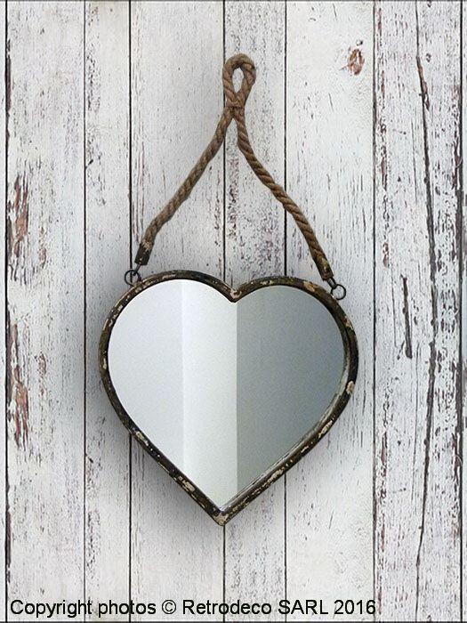 Coup De Coeur Pour Ce Miroir En Forme De Coeur En Métal En Bois Et