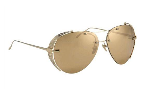 La tienda por departamentos de lujo, Harvey Nichols, estará vendiendo 3 diferentes estilos de gafas de sol diseñadas por Linda Farrow. Esta ultra-lujosa variedad de gafas de sol es el resultado de...
