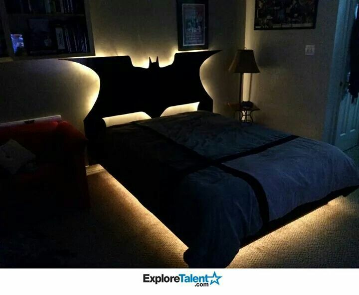 I don\'t care how old I am. I need a light up batman bed | Funny ...
