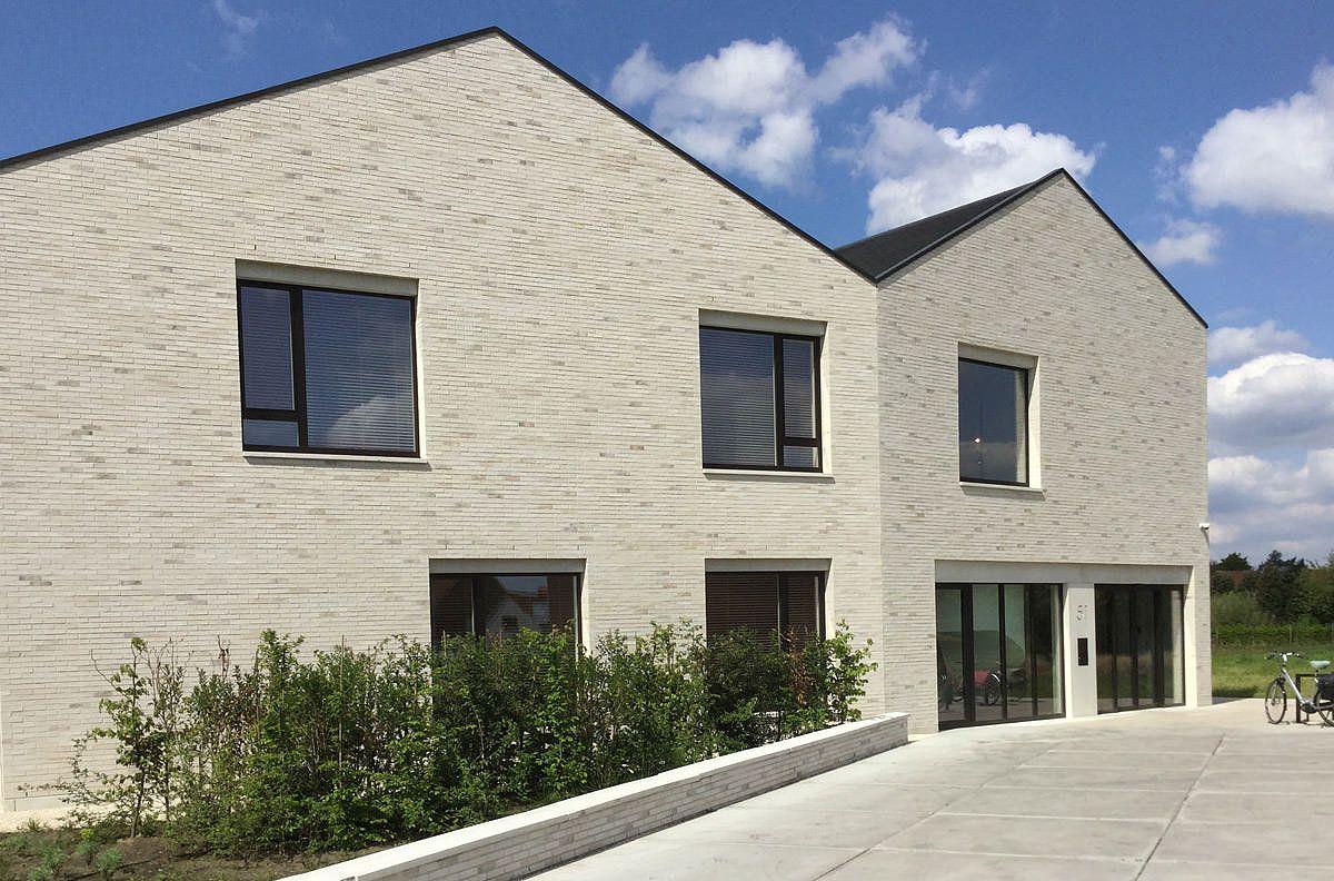 Hausarztpraxis mit großzügigem Wohnhaus im belgischen