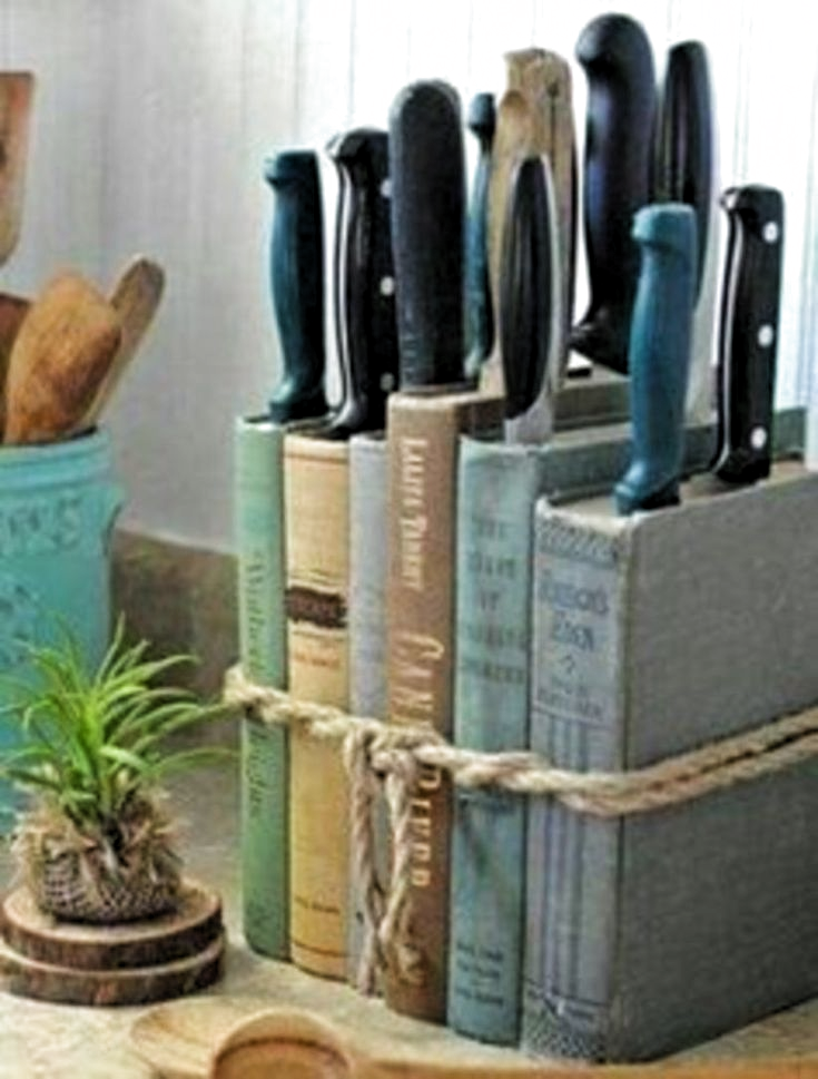 52 Smart And Unusual Books Storage Ideas For Book Lovers - GODIYGO.COM -  Messerblock aus Büchern  - #ArtLessons #book #books #Design #FamousArtists #godiygo #GODIYGOCOM #ideas #InteriorDesign #lovers #smart #storage #unusual