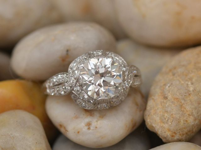 Vintage Diamond Engagement Rings for the Beautiful Women