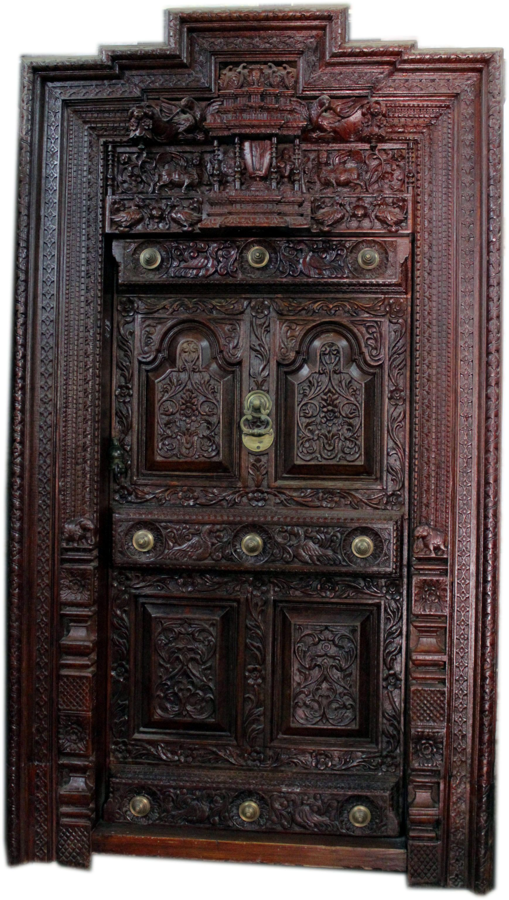 A classical door give vintage looks to your home and show