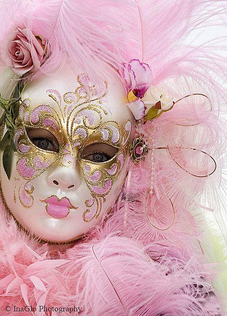 Couleur Blanc Et Rose Masque Venitien Carnaval De