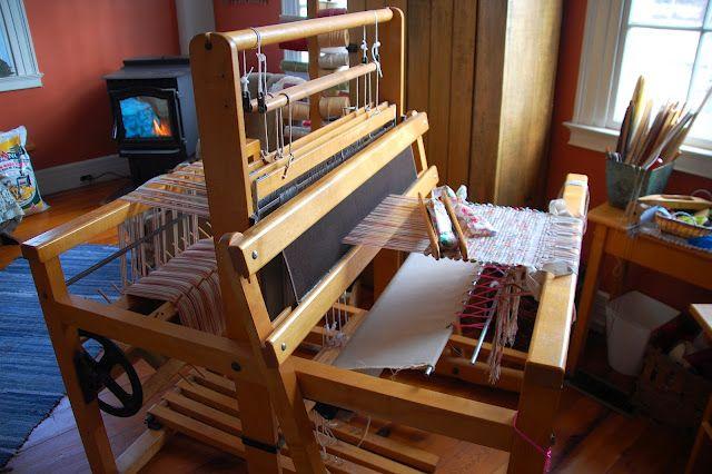 J L Hammett loom  Very similar to mine | Got Weaving? | Loom