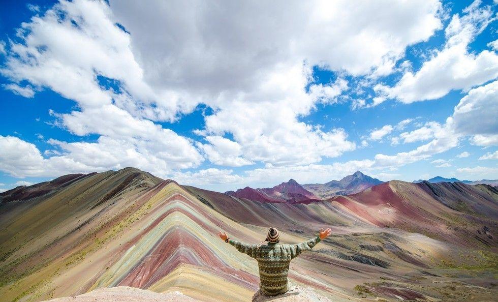 """Lo spettacolare effetto cromatico di Vinicunca, la """"montagna arcobaleno"""""""