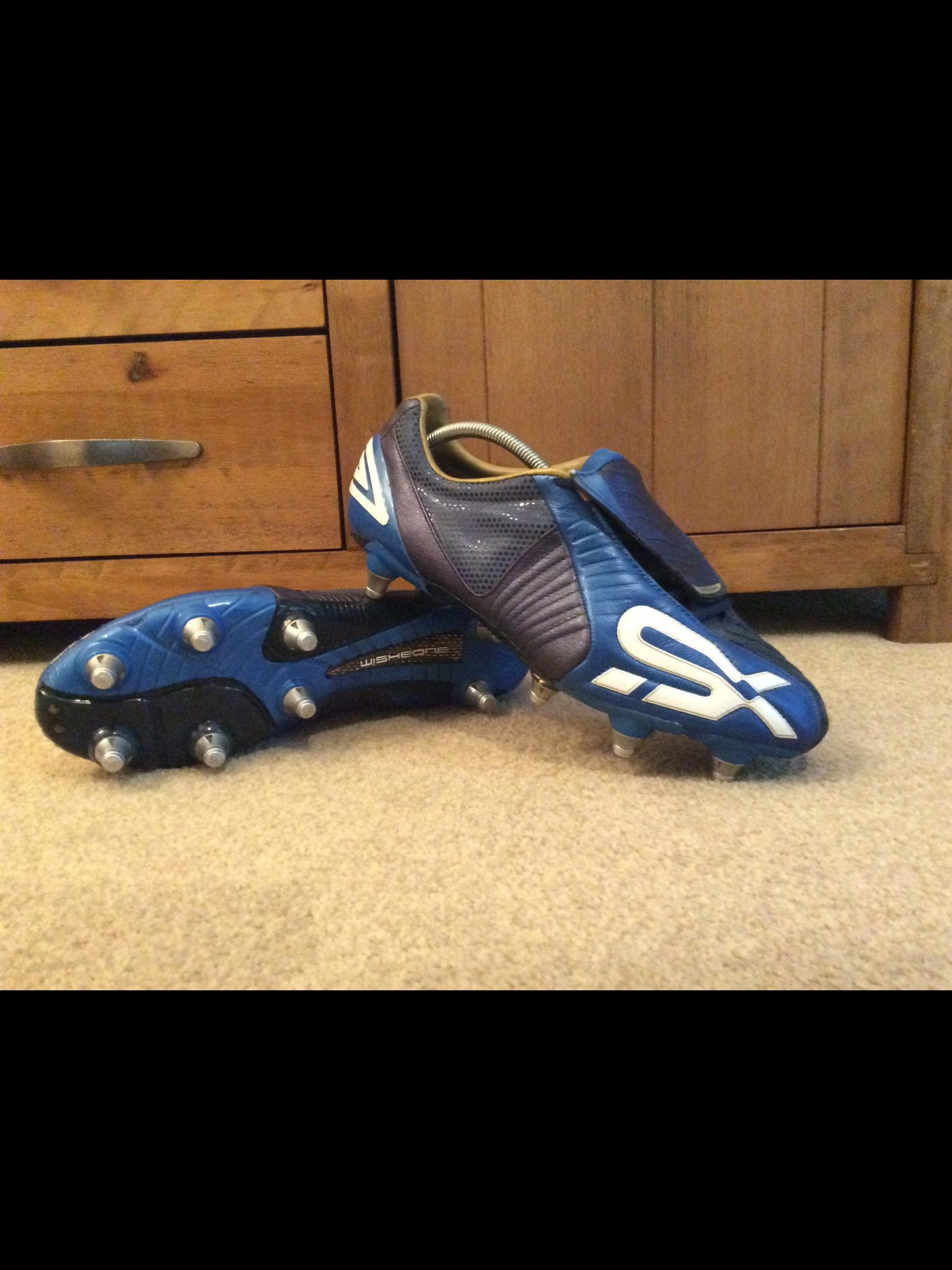 Pin de Fábio Grilo en FUTEBOL | Zapatos de fútbol, Botines