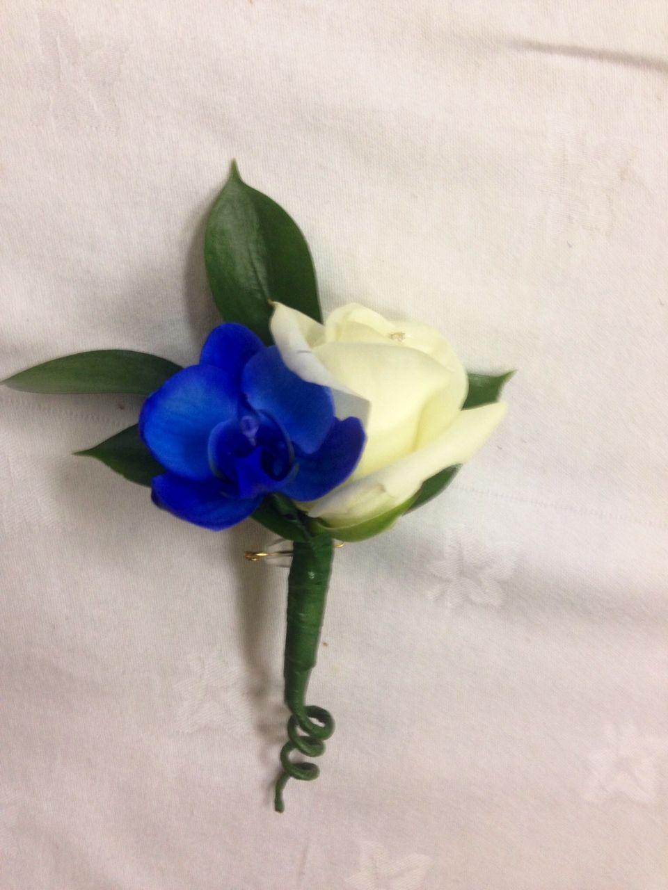 Groom S Buttonhole Gentleman S Buttonhole Boutonniere Blue Orchid White Rose Unique Wedd Unique Wedding Flowers Blue Wedding Flowers Flower Bouquet Wedding