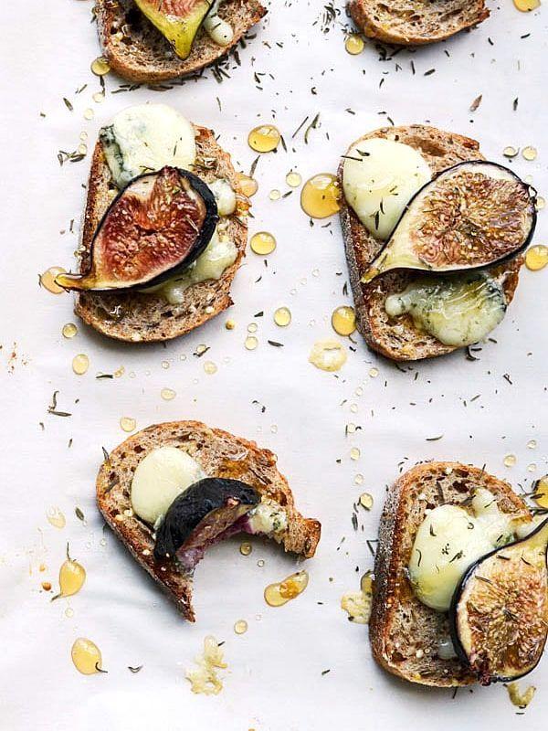 Gorgonzola Baked Bruschetta
