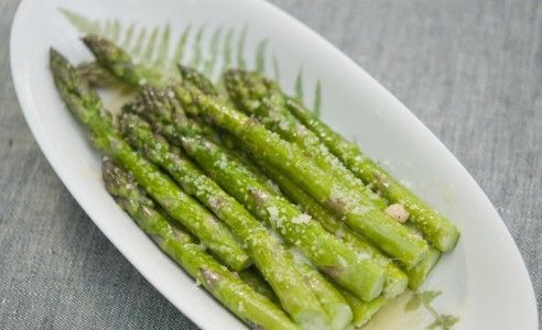 asparagus with dressing