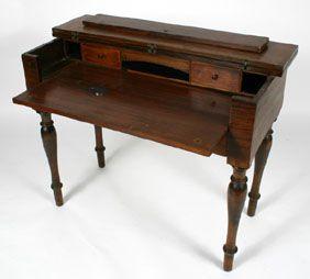 Merveilleux Mahogany Lift Top Writing Desk Turned Legs