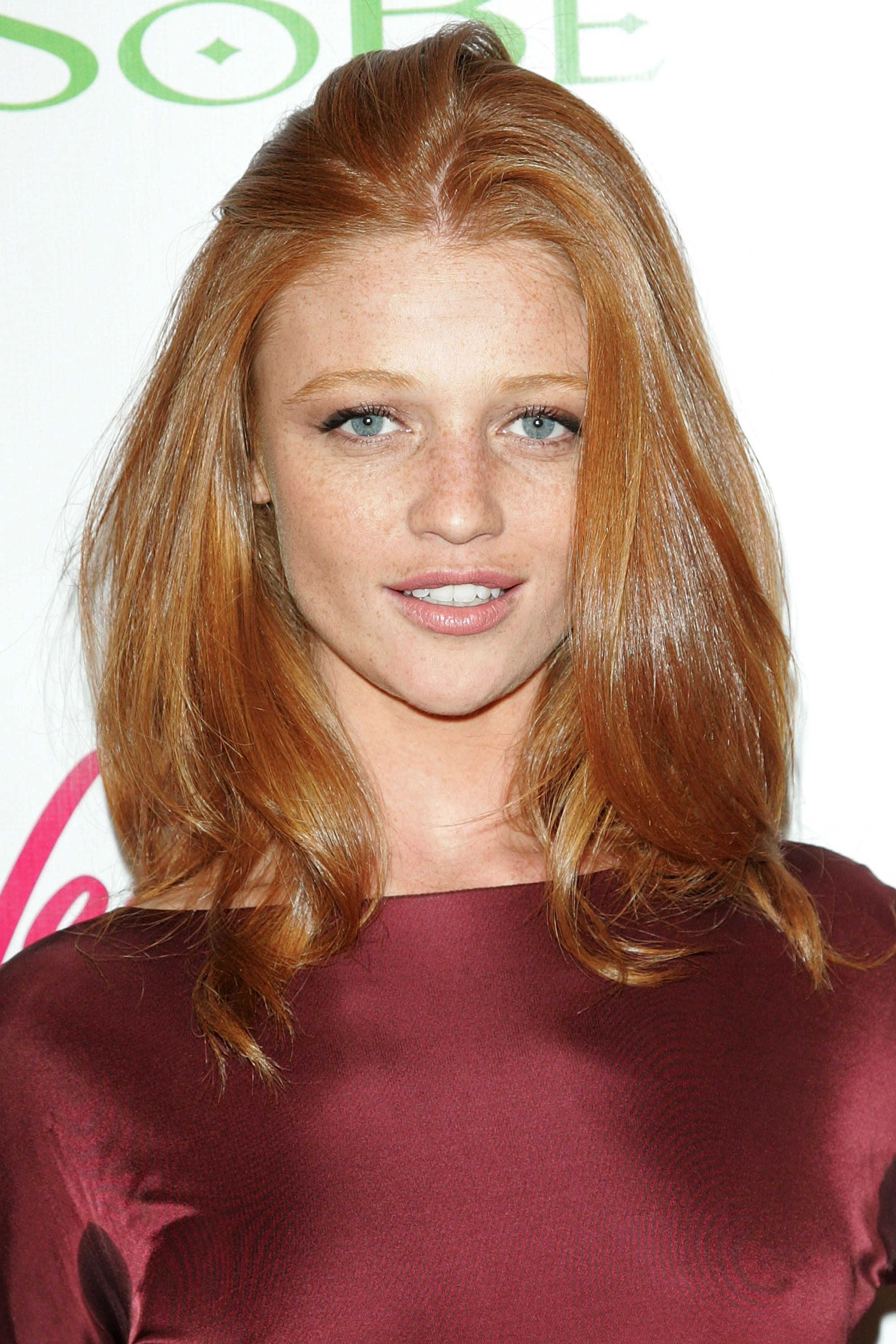 Thelist iconic frecklefaces cintia dicker red hair and hair style