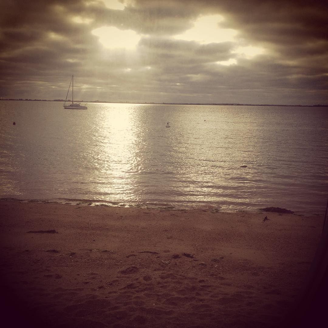 Levé de l'équipage sur le Nautilus sous l'île de Noirmoutier en Vendée .. A suivre...