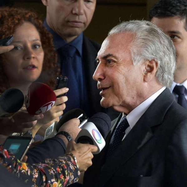 Temer avisa Lula que PMDB deixará governo Dilma amanhã