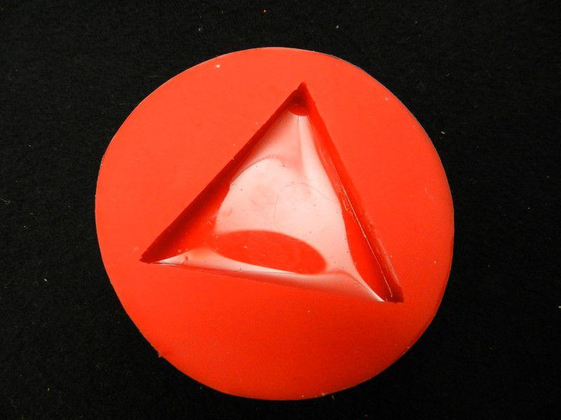 Silikonformen - Schmuckgießform Dreieck - ein Designerstück von luflom-design bei DaWanda