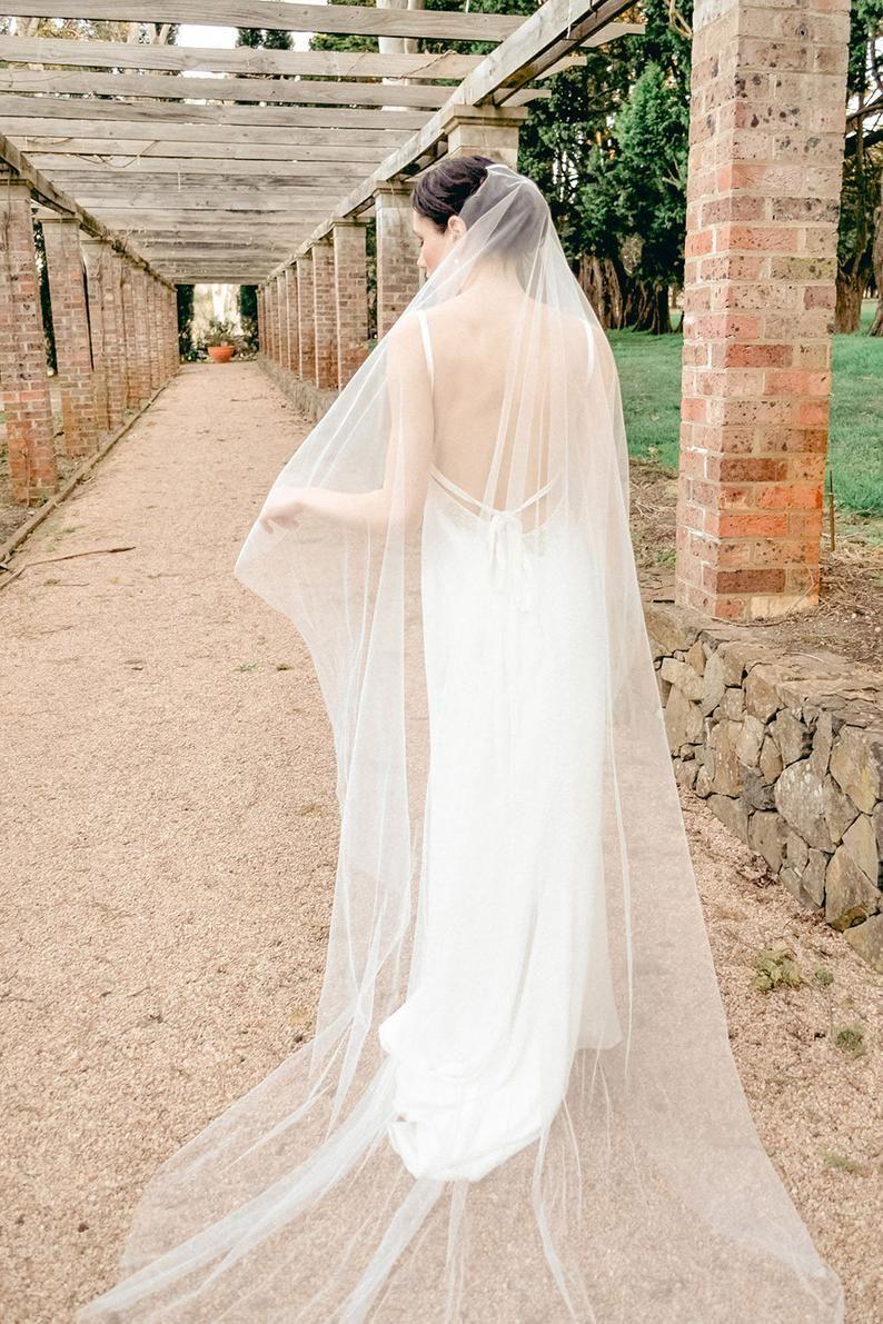 Minimalist Soft Tulle Veil Modern Wedding Veil Raw Edge Veil One Tier Bridal Veil In Fingertip Waltz Floor Chapel And Cathedral Length Soft Tulle Veil Tulle Veils Simple Veil [ 1191 x 794 Pixel ]