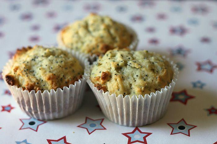 Lemon ricotta poppyseed muffins