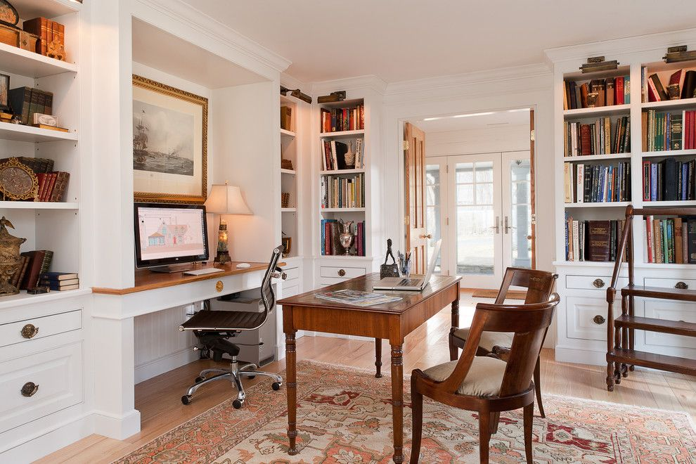 Traditional Home Office Designs To Work In Style Desks