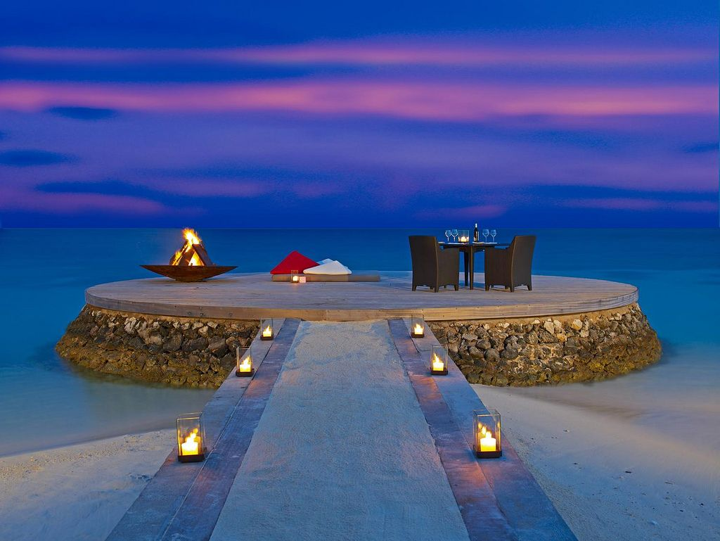 Romantic places photo of romantic place in maldives for Best place for couples vacation