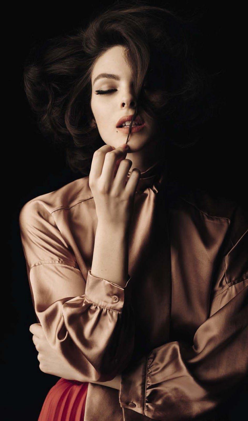 Selfie Vogue Italia December 2017 nude photos 2019