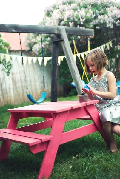 Plans for a kids' picnic table.