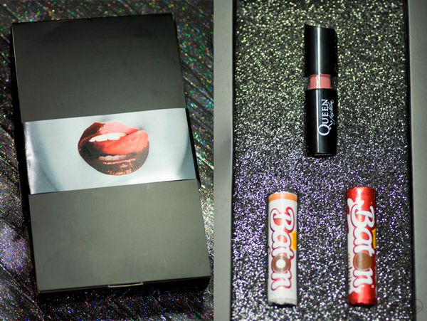 CHEGOU POR AQUI - A Queen é a nova parceira do blog, a marca enviou uma caixa enigmática que fiquei surpresa ao abrir. Recebi o batom cremoso Chocolate que tem aroma e gostinho de chocolate! Junto na caixa recebi dois chocolates Batom que tive que me segurar para não comer antes de tirar as fotos. Em breve vou testar e tentar não comer o batom (o que não é de chocolate, ou talvez seja?). www.fascinioporesmaltes.com