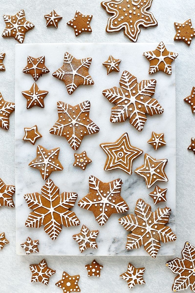Photo of Iced Gingerbread Cookies – the classic Christmas cookie!