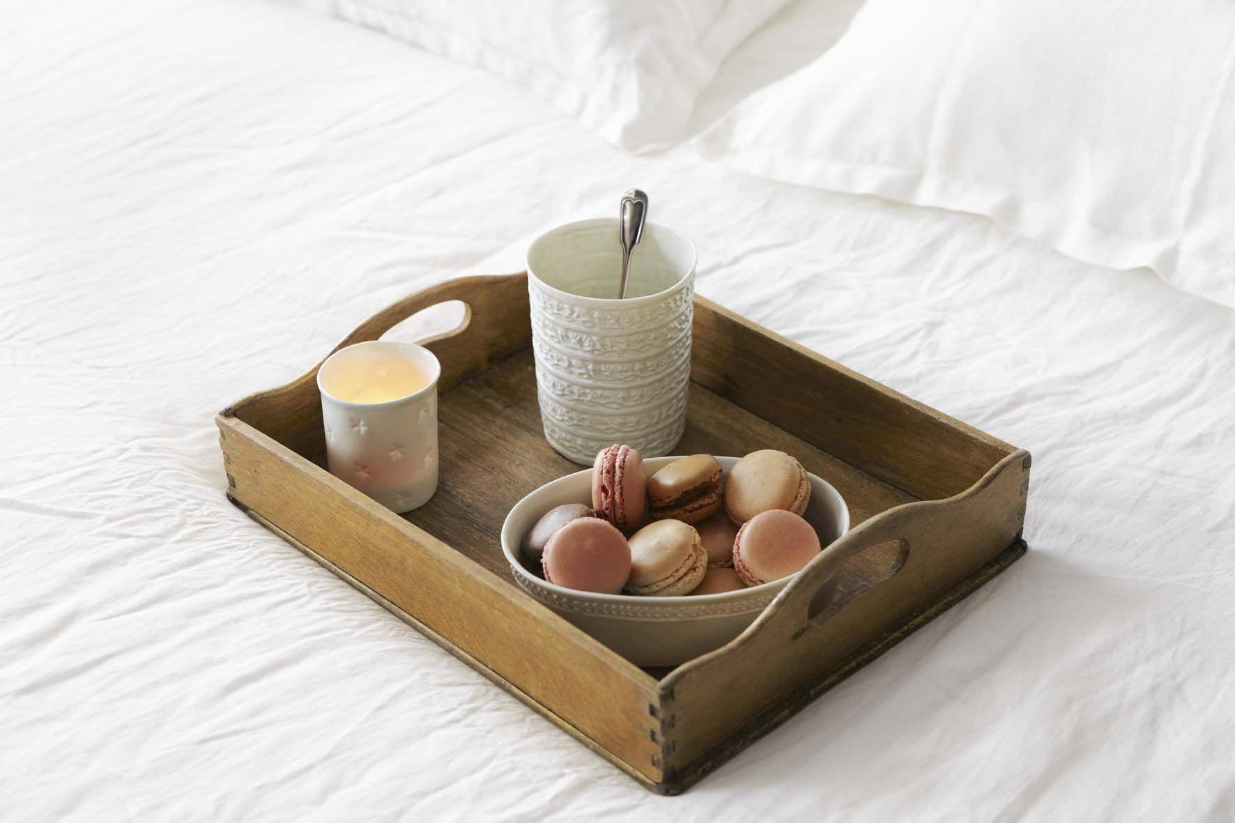 alix d reynis mood dinnerware cake factory et cheesecake. Black Bedroom Furniture Sets. Home Design Ideas