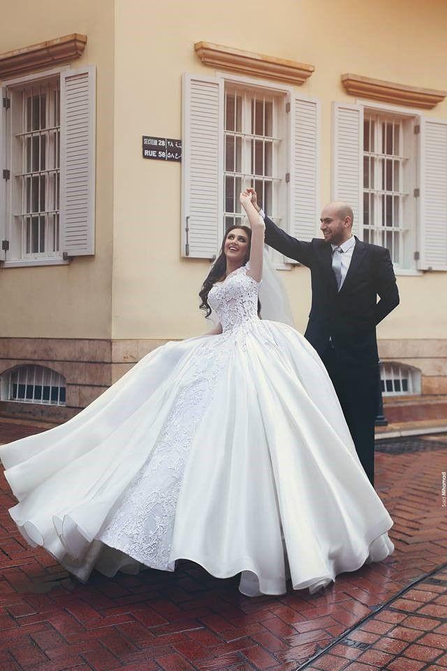 10 Prettiest Wedding Dresses Money Can Buy Stylish Wedding Dresses Wedding Dress Inspiration Pretty Wedding Dresses
