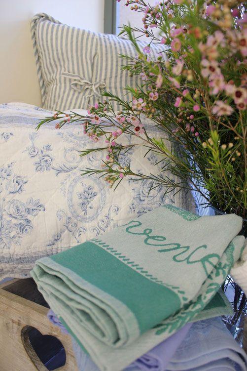 אביב הגיע פסח בא! טיפים לשולחן הורס | Home in Style – הבלוג לעיצוב הבית