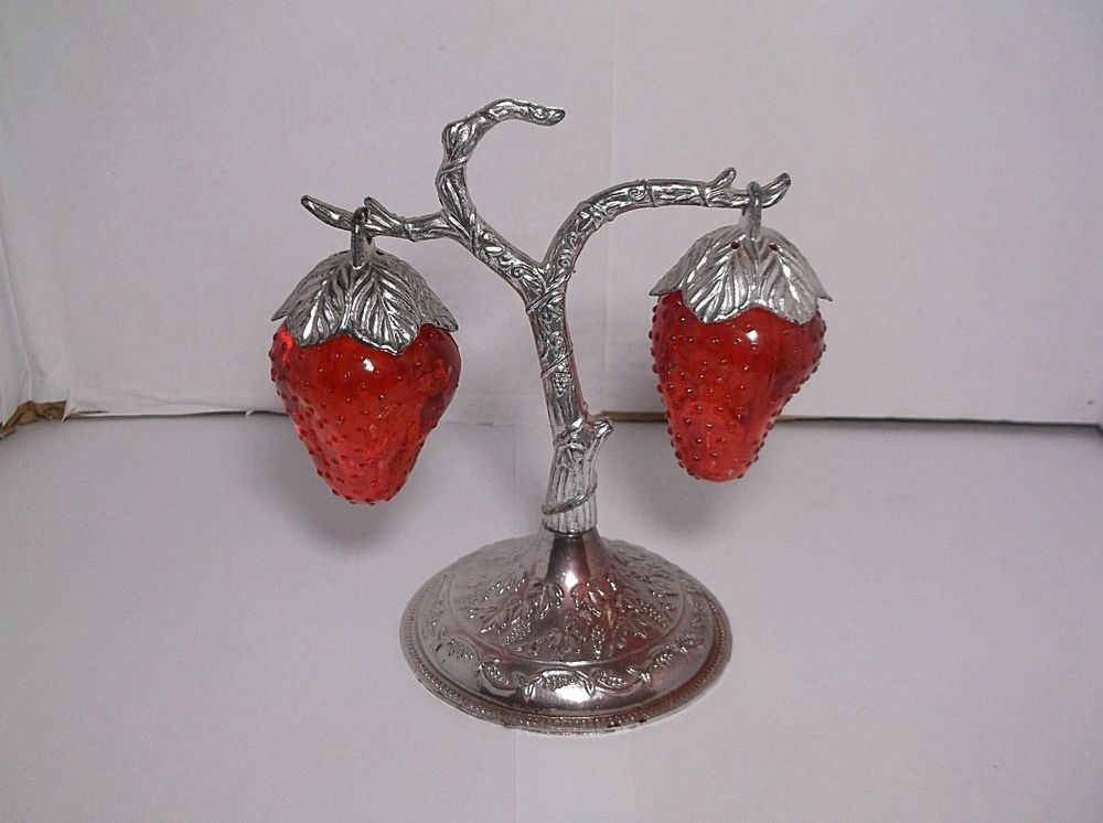 Vintage Plastic Hanging Strawberry Salt And Pepper Shakers