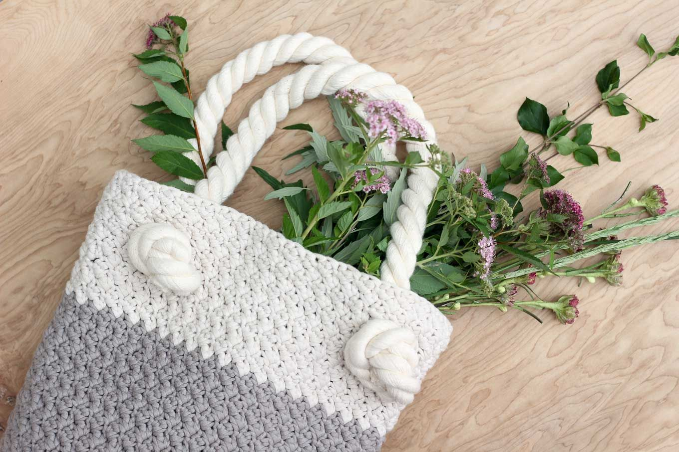Video Tutorial: How to Crochet the Suzette Stitch | Free crochet bag ...