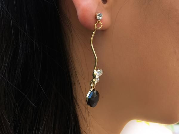 BLACK SPARKLING STONE DANGLE EARRINGS - ANZEDRESS