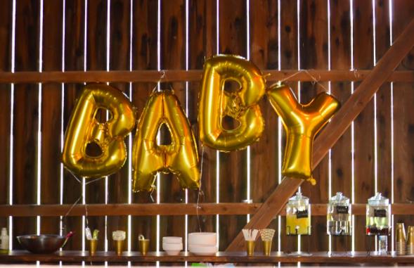 Barn at Greenwood | baby shower balloons