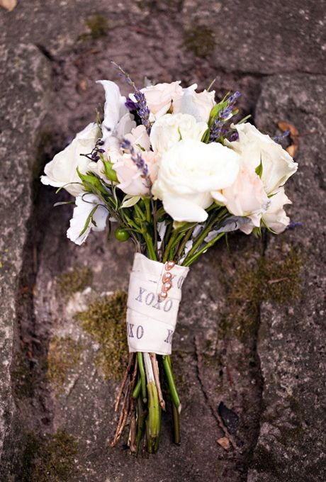 7 of the Prettiest Wrapped Wedding Bouquets | Printed ribbon, Rose ...