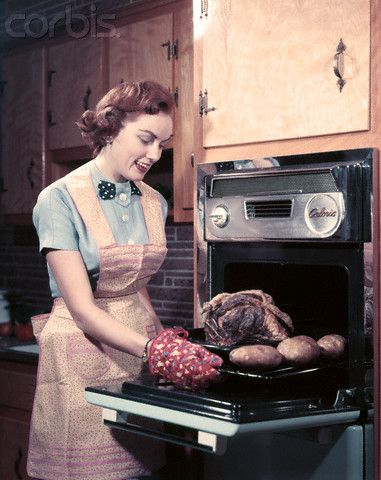 1950S Oven   1950s Housewife Wearing Apron And Oven Mitts Taking Roast Beef With ...