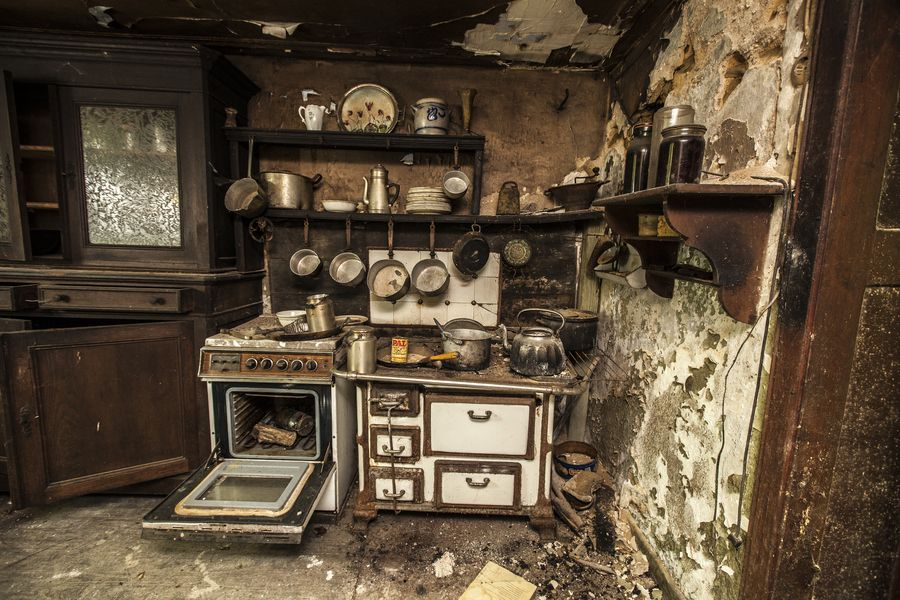 Abandoned Kitchen By Urbex Clown Wow Check Out That Great Cupboard