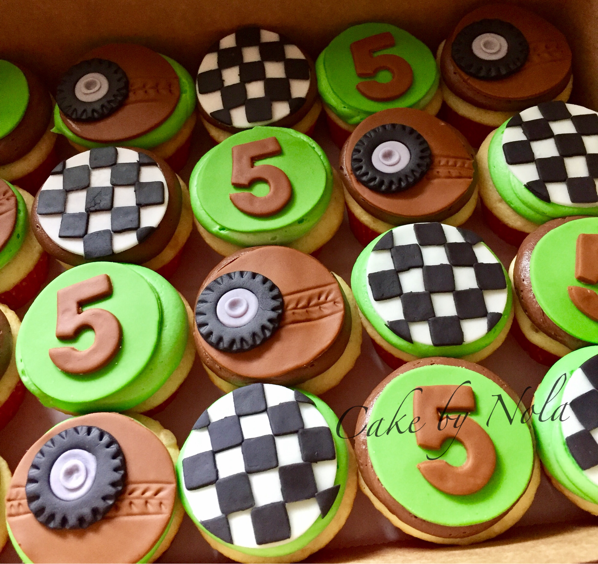 Dirt bike themed cupcakes cupcakestagram fondanttoppers