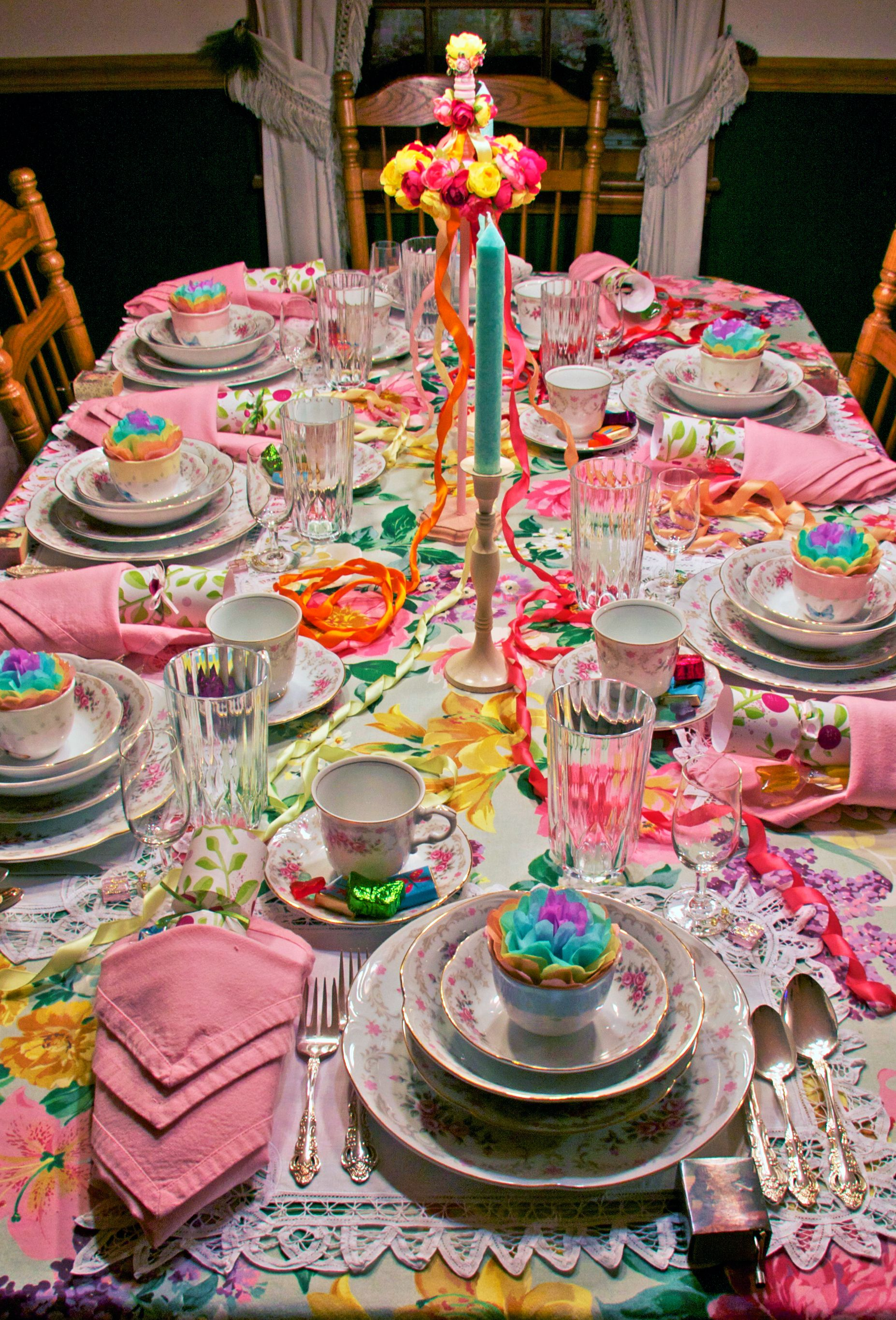 May Dining Table Décor: A Floral Extravaganza! | Tablescapes