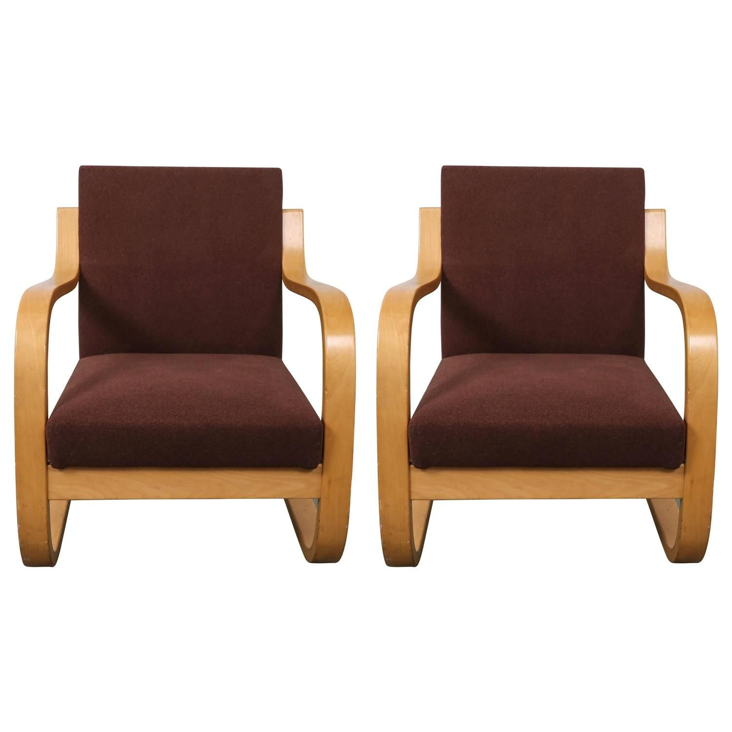 Pair Of 34402 Lounge Chairs By Alvar Aalto