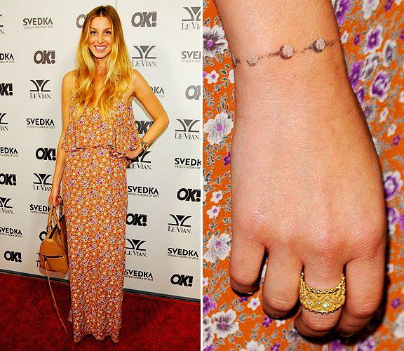 Charm Bracelet Tattoo Google Search: Tattoos That Look Like Bracelets - Google Zoeken