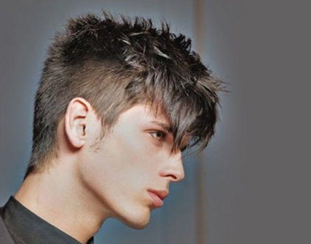 cortes de pelo para hombre apuesta por el flequillo peinado hombre