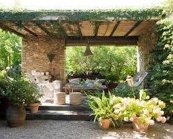 Patios de casas de campo patios y jardines p rgolas terrazas y porches casa zen - Porches de casas de campo ...