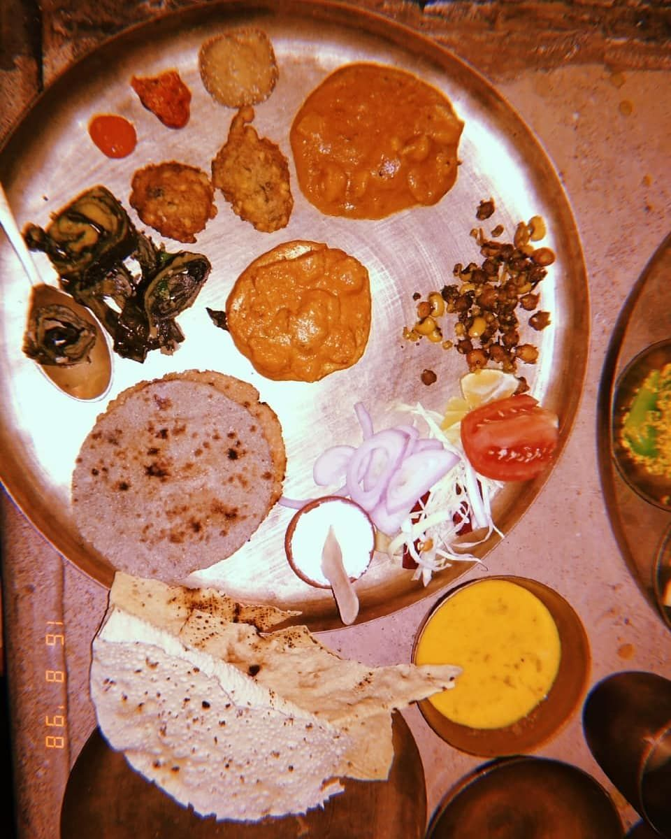 As a food blogger  and foodie I am always  seeking  for good taste and as an Gujarati I make sure that I found one. So, here I come to this very relish and authentic gujarati restuarant 'RAJWADU'