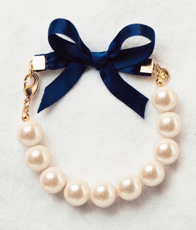 Classy girls wear pearls bracelet wishlist pinterest classy