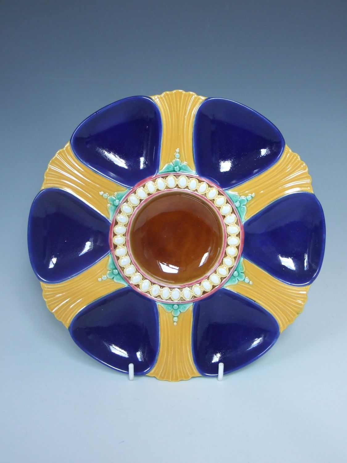 Glazed Yellow-Brown Oyster Plate